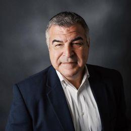 Marcos Castillo Headshot